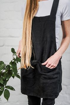 Coolt förkläde i tvättat, smidigt linne från not Perfect Linen. Cool apron in washed, smooth linen!