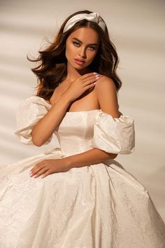 Ball Dresses, Bridal Dresses, Ball Gowns, Evening Dresses, Prom Dresses, Amazing Wedding Dress, Classic Wedding Dress, White Gowns, White Dress
