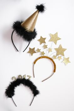 DIY New Year's Headbands: 3 Ways Use any or all three of these simple ways to create DIY New Year's headbands to celebrate New Year's Eve with a fun, metallic bang! Diy New Years Party, New Year Diy, Diy New Years Eve Decorations, Diy Party Decorations, New Year Headband, Diy Headband, Headband Tutorial, New Year's Crafts, Decor Crafts