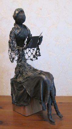 Fabric dipped in Powertex Paper Mache Sculpture, Book Sculpture, Wassily Kandinsky, Reading Art, Diy Projects To Try, Yard Art, Textile Art, Art Forms, Book Art