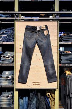 Levi's at De Rode Winkel, Utrecht, pinned by Ton van der Veer Levis Store, Clothing Store Displays, Showroom Ideas, Retail Fixtures, Double Denim, Retail Design, Visual Merchandising, Display Ideas, Interior Ideas