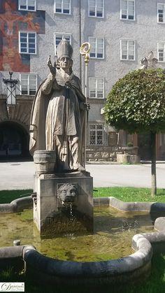 A Dirndl ♥ von Salzburg. Salzburg Austria, Statue Of Liberty, History, Places, Travel, Austria, Venice Italy, Old Town, Dirndl