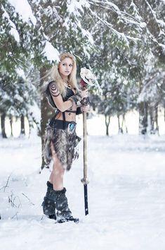 f Druid Staff Forest hills snow Wolf woman druid shaman larp fantasy Tribal Warrior, Viking Warrior, Warrior Girl, Viking Woman, Warrior Princess, Fantasy Women, Fantasy Girl, Viking Cosplay, Celtic Warriors