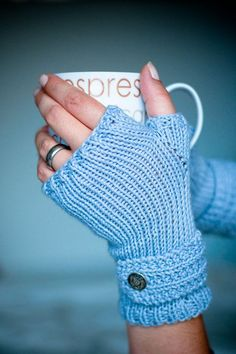 Make It: Fable Mitts - Free Knitting Pattern & Tutorial #knitting