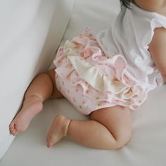 Free Download pattern ruffled diaper cover