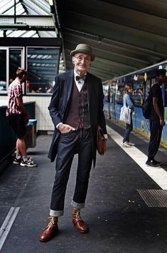 Günther Krabbenhöft Old Men Style, Hipster Men Style, Old Hipster, Hipster Man, Hipster Fashion, Hipster Clothing, Old Fashion, Timeless Fashion, Older Mens Fashion
