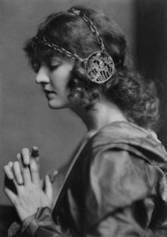 Doris Kenyon photographed by Nickolas Muray c. 1926