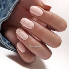 The best new nail polish colors and trends plus gel manicures, ombre nails, and nail art ideas to try. Get tips on how to give yourself a manicure. Short Gel Nails, Basic Nails, Manicure For Short Nails, Cute Short Nails, Short Nails Art, Classy Nails, Stylish Nails, Spring Nail Art, Spring Nails
