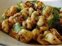 Blazing Hot Wok: The Secret Ingredient (Cilantro roots) - Stir fry with garlic, shrimp and cilantro roots. Shrimp Stir Fry, Beef Stir Fry, Fried Shrimp, Stir Fry Recipes, Sauce Recipes, Cooking Recipes, Curry Shrimp, Garlic Shrimp, Island Food