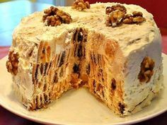 "Cake ""rotten stump"" is very easy and simple to prepare. Even if you had never baked cakes, then this will have mandatory. Very unusual, with different tastes, t Russian Cakes, Russian Desserts, Russian Recipes, Russian Foods, Baking Recipes, Cake Recipes, Dessert Recipes, Pie Cake, No Bake Cake"