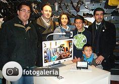 Pedro Ricardo recebe lupa eletrónica