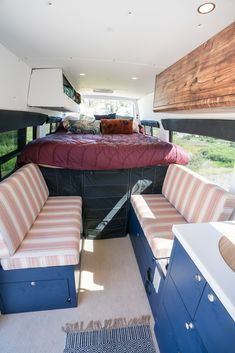 Tour Bearfoot Theory's Outside Van Sprinter Van conversion. This Sprinter camper has everything you need for off-the-grid vanlife adventures. Sprinter Van Conversion, Van Conversion Interior, Camper Van Conversion Diy, Sprinter Camper, Mercedes Sprinter, Van Home, Campervan Interior, Campervan Ideas, Van Living