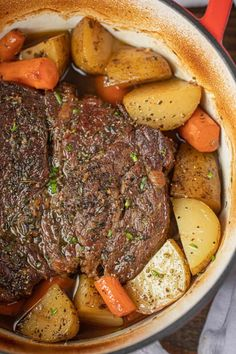 Classic Pot Roast is comfort food at it's best, made with potatoes and carrots, … Classic Pot Roast is comfort food at it's best, made with potatoes and carrots, slow roasted in the oven is the perfect weekend dinner ready in 3 hours. Chuck Roast Recipe Oven, Boneless Chuck Roast Recipes, Beef Chuck Roast, Roast Beef Recipes, Recipe For Pot Roast, Pot Roast In Oven, Dutch Oven Roast Beef, Roast In Crockpot, Slow Cooker Pot Roast