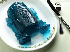 Make Edible Star Wars Pieces with These Deluxe Silicone Molds #Nerdy #Desserts