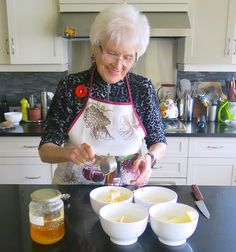 Mom, Helen McKinney's Traditional Canadian Prairie Homemade Cinnamon Buns are famous in our family, our neighbourhood and home town: step by step recipe. Make Ahead Breakfast, Breakfast Recipes, Dessert Recipes, Cinnamon Bun Recipe, Cinnamon Rolls, Beignets, Amish Recipes, Cooking Recipes, Best Pumpkin Bread Recipe