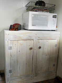 Remodelaholic » pallet cabinet