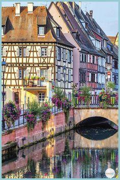 Village de rêve en Europe : voici 10 villages de contes de fées à découvrir Monuments, Europe Destinations, Old World, Beautiful Places, Scenery, Places To Visit, Voici, Vacation, Mansions