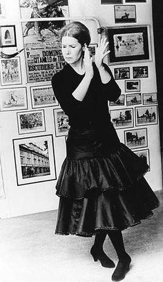 Cayetana, en pose flamenca