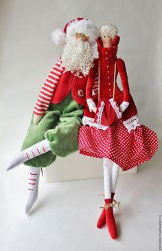 Tilda Santa Claus doll Pink Handmade Santa doll Christmas t Christmas Art, Christmas Decorations, Christmas Ornaments, Santa Crafts, Santa Doll, Mrs Claus, Sewing Dolls, Textiles, Beautiful Dolls