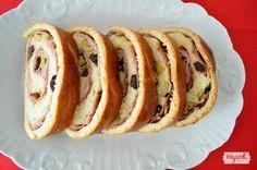 El pan de jamón es un plato típico de la Navidad en Venezuela que se puede tomar durante todo el año, prepáralo con tu MyCook y verás que no es difícil.