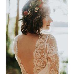 Estou numa fase de muito amor por noivas de cabelos curtos! Não fica um charme? ❤️ - Deeply in love with short hair brides! {: @lovelybride} #bridetobe #cabelos #noivalinda #shorthair #berriesandlove #weddinginspiration