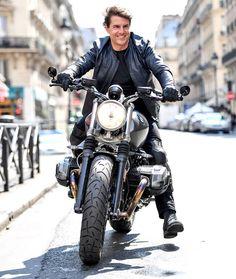 Tom Kruz, Tom Crusie, Movie Fast And Furious, Bike Bmw, Nine T, Bmw Boxer, Hollywood Cinema, Bike Style, Cool Bikes