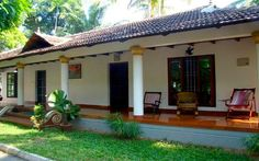 Experience India through Home Stays, where interacting with a host will provide you with a flavor of the local culture and community Indian Home Design, Kerala House Design, Village House Design, Village Houses, Dream Home Design, Home Office Design, Chettinad House, Kerala Traditional House, Modern Brick House