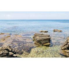 🇮🇹***Un tour en Sardaigne ***🇮🇹 Je sais que je vous avais promis d'arrêter de vous inonder de ces photos d'eau cristalline, mais vous êtes nombreux à m'en demander encore... Alors on poursuit encore un peu l'été, histoire de se réchauffer. Bon dimanche soir à tous ! #italiaamoremio #dolcevita #igersitalia #italia #sardegna #mariposasdesardinia #paradis - - - #europe #traveling #travelingram #instatravel #visiteurope #picoftheday #beautifudestinations #italie #europe #instavoyage… Paradis, Tour, Europe, Water, Photos, Outdoor, Sunday Night, Sardinia, Italy