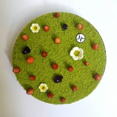 """Fantastik """"Au ras des pâquerettes"""" Delicious Desserts, Dessert Recipes, Fairy Food, Matcha Cake, French Cake, French Patisserie, Chocolate Decorations, French Pastries, Pastry Chef"""