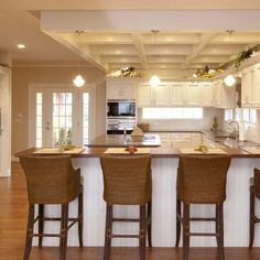 Kitchen Tan Walls Design, Pictures, Remodel, Decor and Ideas - page 8 Kitchen New York, Eat In Kitchen, Kitchen Dining, Kitchen Ideas, Open Kitchen, Kitchen Seating, Cozy Kitchen, Kitchen Photos, Kitchen Inspiration
