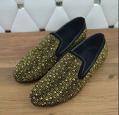 Find More Men's Casual Shoes Information about 2015 Free shipping gold spike & round rivets flat mens casual shoes new arrival round toe vintage men loafers shoes plus size 46,High Quality shoe dresser,China shoes little black dress Suppliers, Cheap shoe mitt from Ammy's Fashion Shop on Aliexpress.com