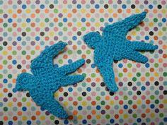 Crocheted flying swallows pattern by Mig og Maya