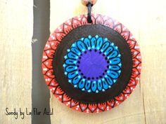 Collana Con Ciondolo in Legno Dipinto a Mano Sandy : Ciondoli di la-flor-azul