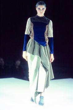 Comme des Garçons Fall 1998 Ready-to-Wear Collection Photos - Vogue