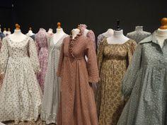 Laura Ashley Vintage Dress, Laura Ashley Fashion, Laura Ashley Inspiration, Victorian Fashion, Vintage Fashion, Librarian Chic, 1970s Style, Theatre Design, Arabic Art