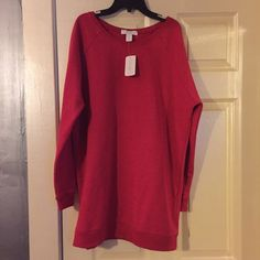 Red Oversized Sweatshirt Red oversized sweatshirt. Can be worn as a top or dress. Can even be cut to be off the shoulders! Brand new with tags! Forever 21 Tops Sweatshirts & Hoodies