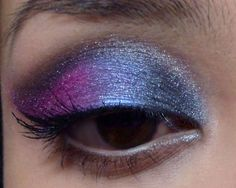 Smoky Blue-and-Pink Wing  http://makeupbox.tumblr.com/post/18066463436/smoky-blue-and-pink-wing-mac-fuchsia-and-frozen