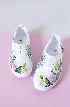 Painted Canvas Shoes, Painted Vans, Custom Painted Shoes, Painted Sneakers, Hand Painted Shoes, Custom Shoes, Disney Painted Shoes, Wedding Sneakers, Diy Mode