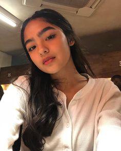Filipino Girl, Home Studio Photography, Filipina Beauty, Fashion Background, Selfie Poses, Teen Actresses, Celebrity Portraits, Asia Girl, Hair Inspo