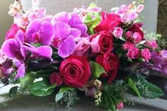 rose and orchid table arrangement.
