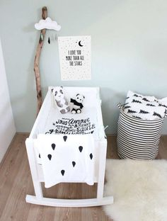 Wonderful kidsroom in black and white | 10 Nicely Neutral Nurseries Part 2 - Tinyme Blog