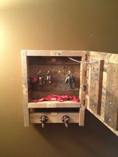 55 εκπληκτικές κρεμάστρες απο παλέτες! | Φτιάξτο μόνος σου - Κατασκευές DIY - Do it yourself