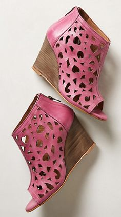 charm cut wedges #anthrofave - take an extra 25% off with code:  EXTRAEXTRA http://rstyle.me/n/r2h8spdpe