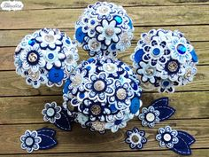 Complete Button and Felt Bouquets and Boutonnieres Set. You choose colors. Alternative Wedding Bouquets