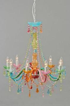 Busco una lampara de techo araña con lágrimas de cristal de colores | Decorar tu casa es facilisimo.com