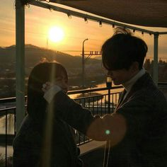 Image shared by minjenneke. Find images and videos about boy, couple and aesthetic on We Heart It - the app to get lost in what you love. Mode Ulzzang, Ulzzang Korea, Ulzzang Girl, Cute Relationship Goals, Cute Relationships, Cute Korean, Korean Girl, Cute Couple Pictures, Couple Photos