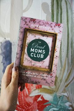 The Dead Moms Club: A Memoir about Death, Grief, and Surviving the Mother of All Losses by Kate Spencer. Purple Hibiscus, Chimamanda Ngozi Adichie, Mom Died, White Books, Reading Stories, Raise Your Hand, Library Card, Memoirs, Grief