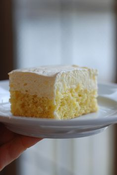 Light lemon cake Ingredients: 1 Package Lemon Cake Mix 1 Package Instant Lemon Pudding Mix 1 3/4 Cup Water 3 Egg Whites 3/4 Cup Milk 1/2 tsp. Lemon Extract 1...