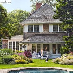 The house and landscape are beautiful!