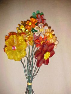 Lucite flowers. I remember these from the '70's.